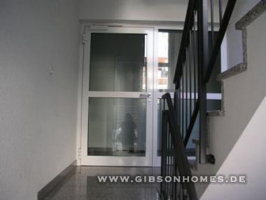 neu isenburg gem tliche und sch ne 2 zimmer wohnung mit terrasse und mini garten. Black Bedroom Furniture Sets. Home Design Ideas